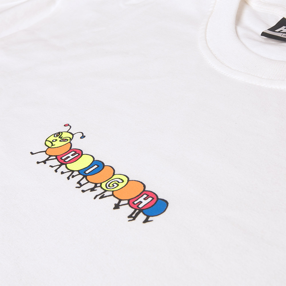 Drop1_2018_0036_Tee_Happy_Worm_White